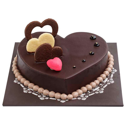 CHOCOLATE HEART CAKE 500G BKS10144